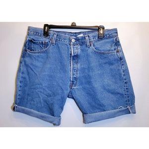 [Levi's] Womens Lightwash Cutoff Mom Jeans XL